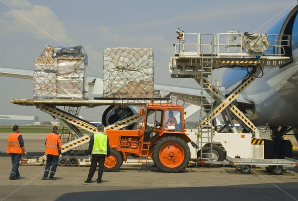 Чартерная перевозка грузов авиатранспортом, использование значков отображения карты